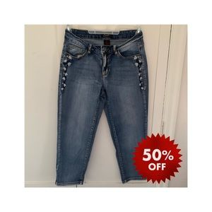 50% off bundles! Earl jeans embroidered crop jeans